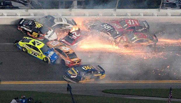 Daytona 500 18 Car Crash