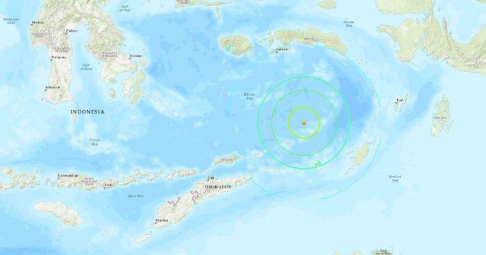 7.3 quake hits Indonesia